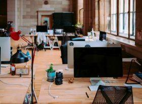 Вечерняя уборка в офисе