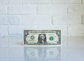 Как сэкономить на уборке жилья?